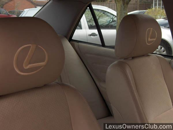 headrest 002.jpg