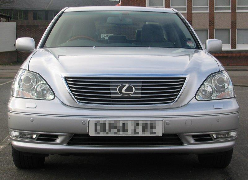Lexus LS 430 with ACC/PCS Front
