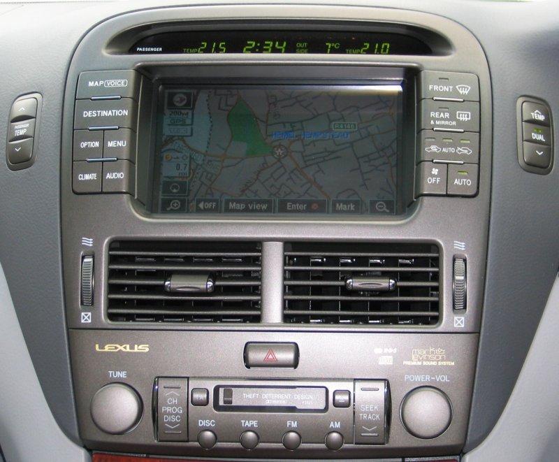 LS 430 console close-up