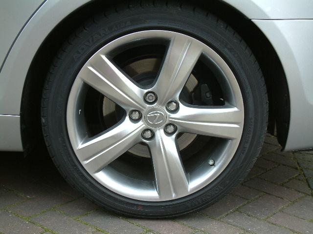 new alloy wheel, on new model GS300SE-L and GS430
