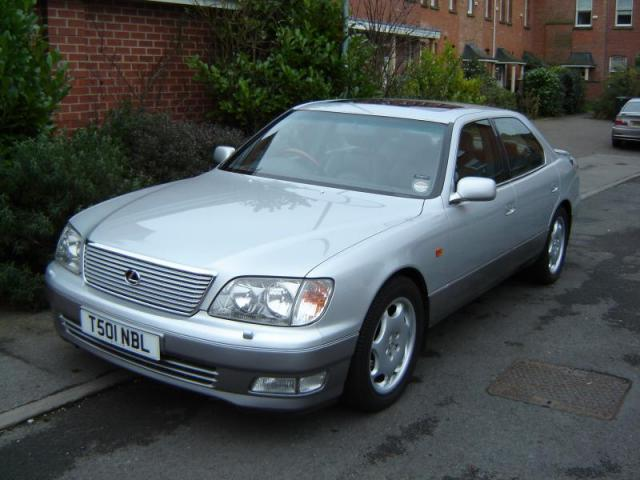 Lexus LS 400 and LS 430 Models