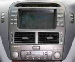 LS 430 console close-up