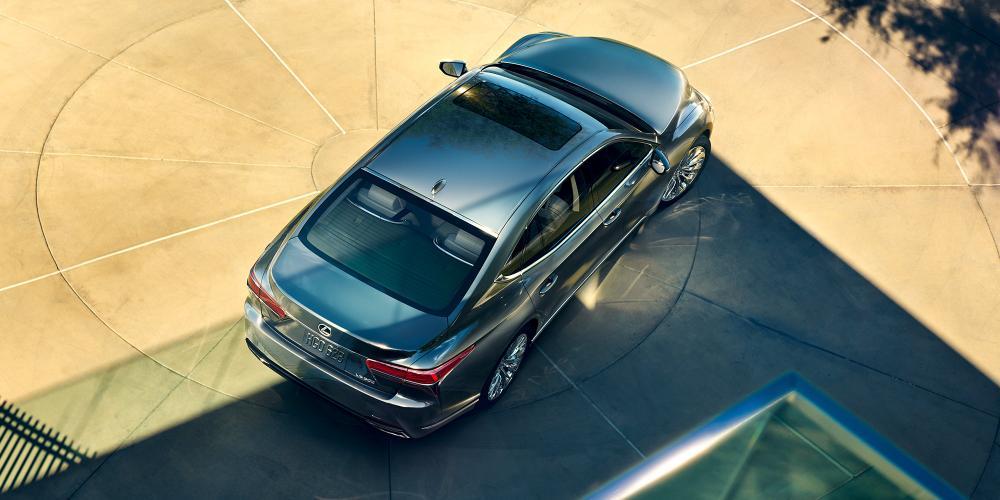 Lexus-200b-gallery-desktop-2000x1000-LEX-LSG-MY18-0005.jpg