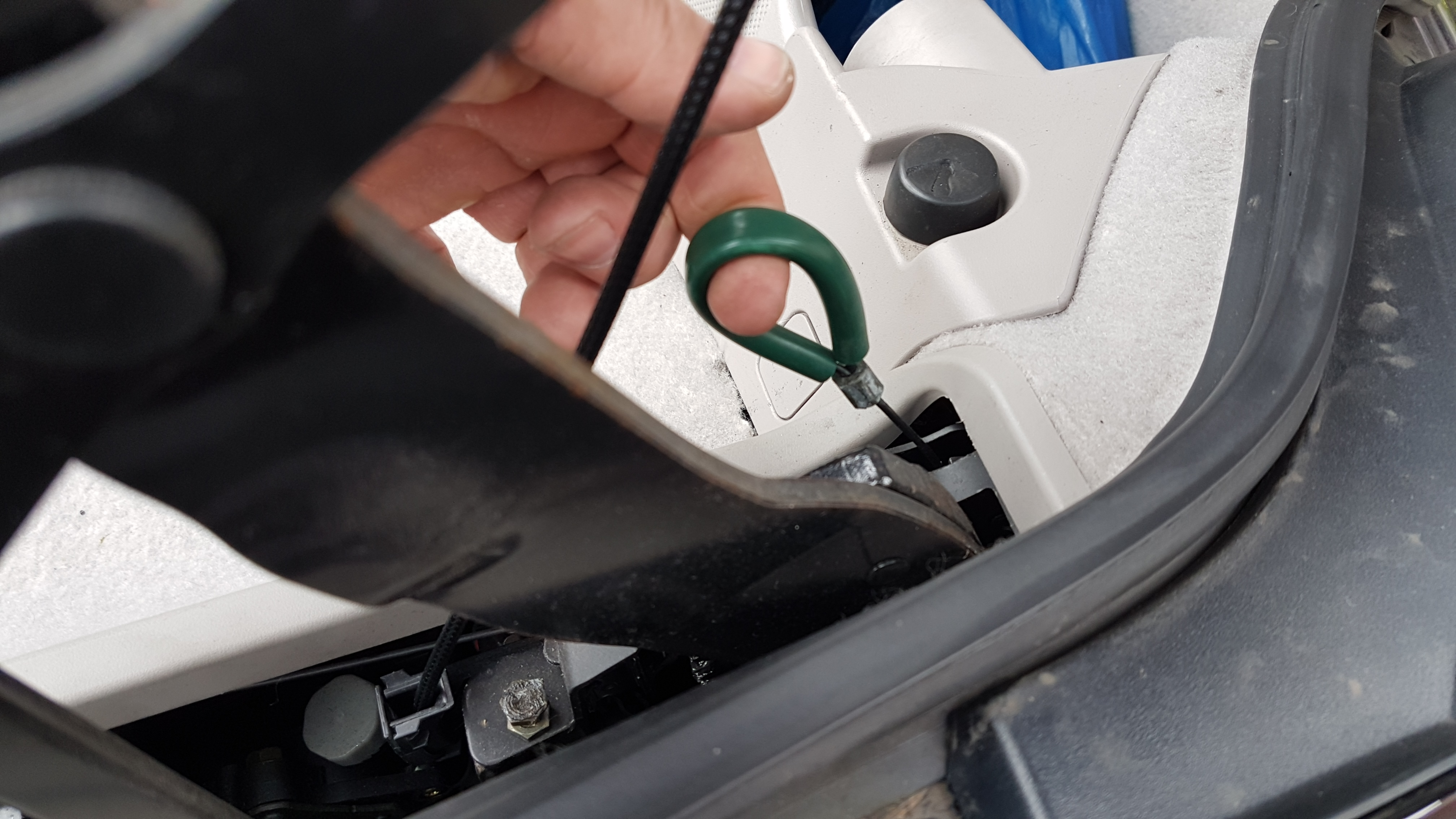 Problem Closing Roof Trunk Lid Doesn T Close Is Still