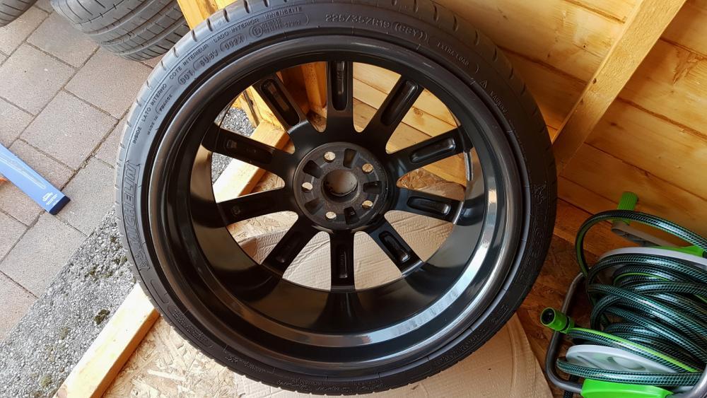 WheelDetail-12.thumb.jpg.5e0f245e3926c39bf33dc90b95ad5aa7.jpg