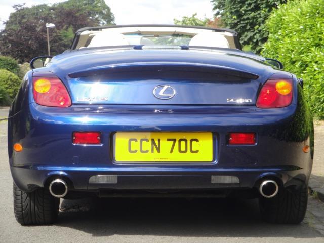 Lexus9.JPG