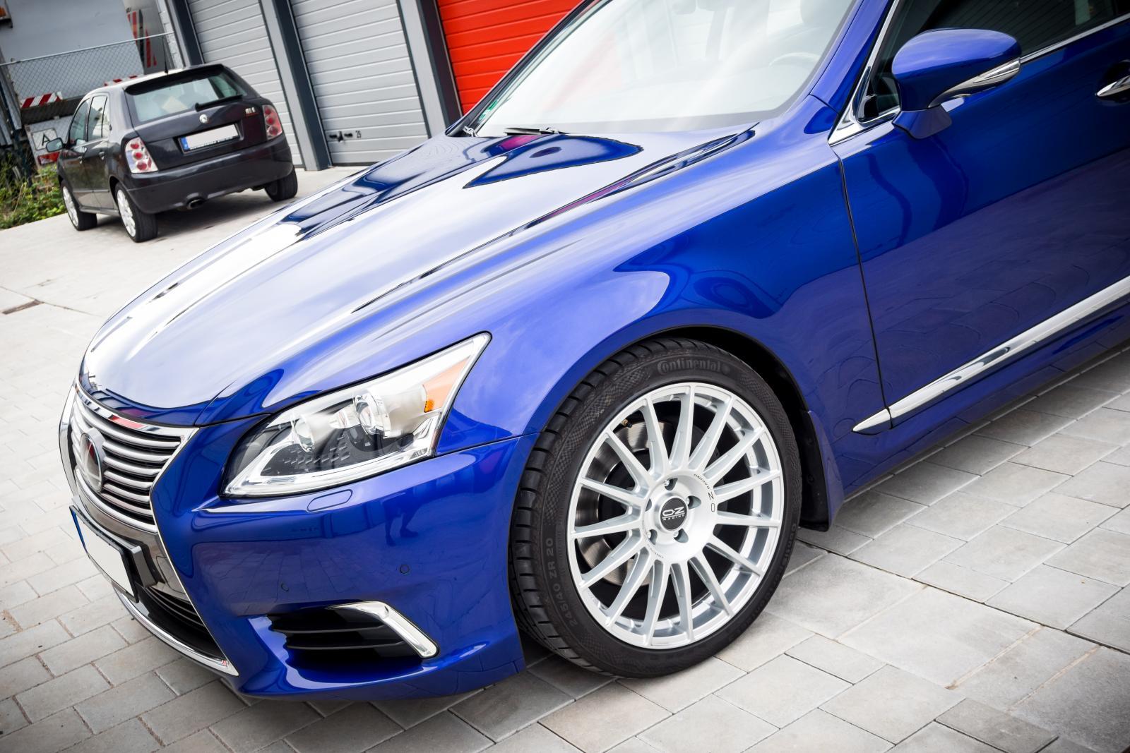 Lexus_LS460_06.jpg