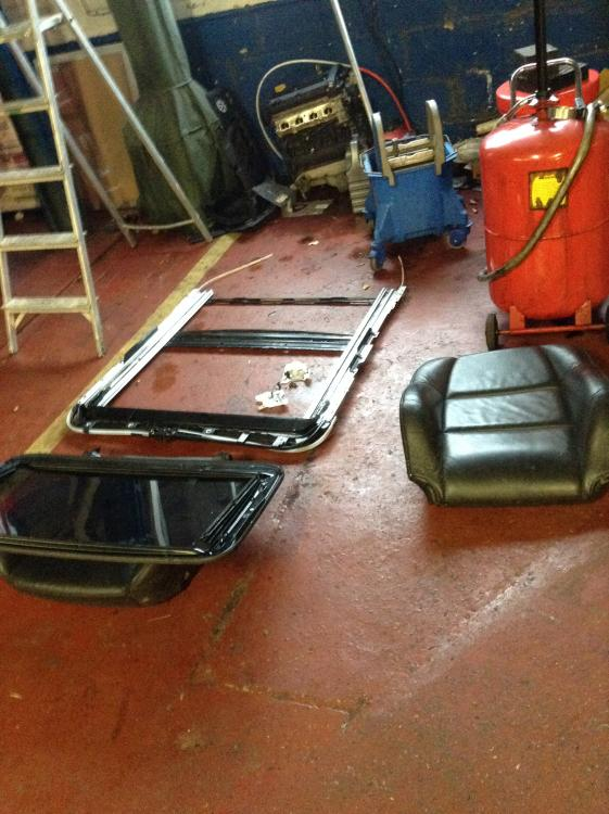 Lexus sunroof frame.18-12-2013.jpg