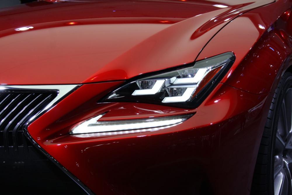 Lexus-RC-Coupe-headlight.jpg