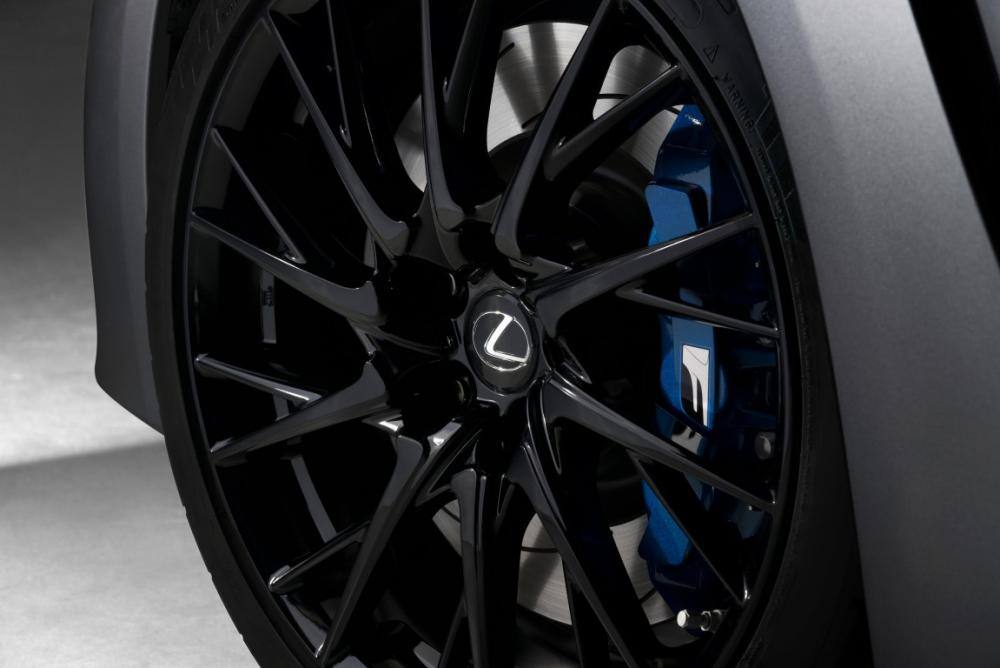 Lexus_RCF_SE-wheels (Medium).jpg