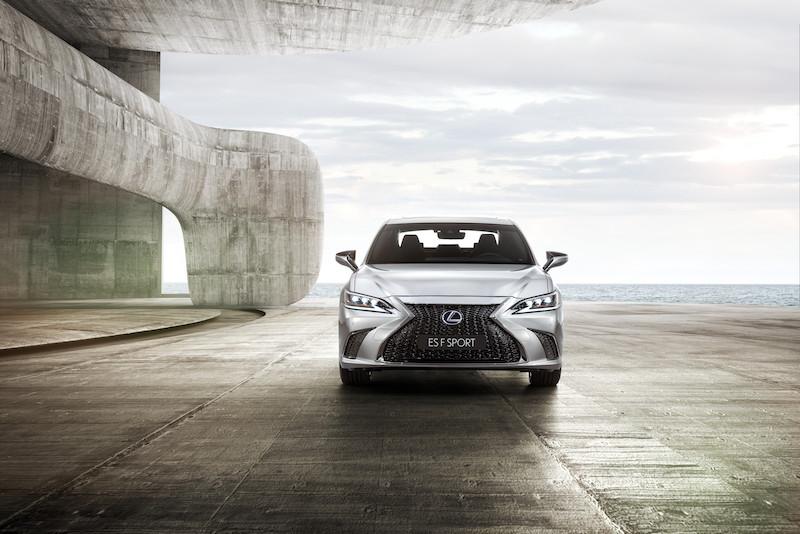 Lexus_ES_Fsport___00.jpg