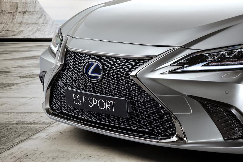 Lexus_ES_Fsport___06.jpg
