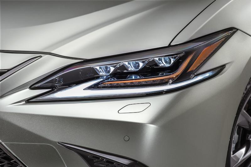 Lexus_ES_Fsport___09.jpg