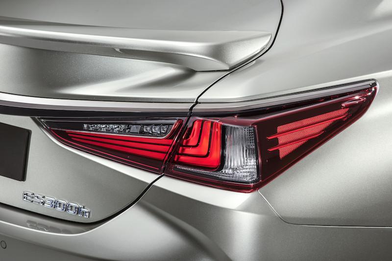 Lexus_ES_Fsport___10.jpg