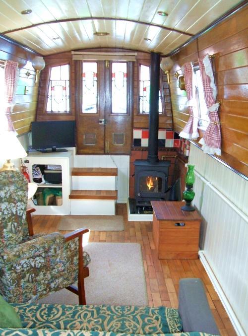 liv room boat.jpg