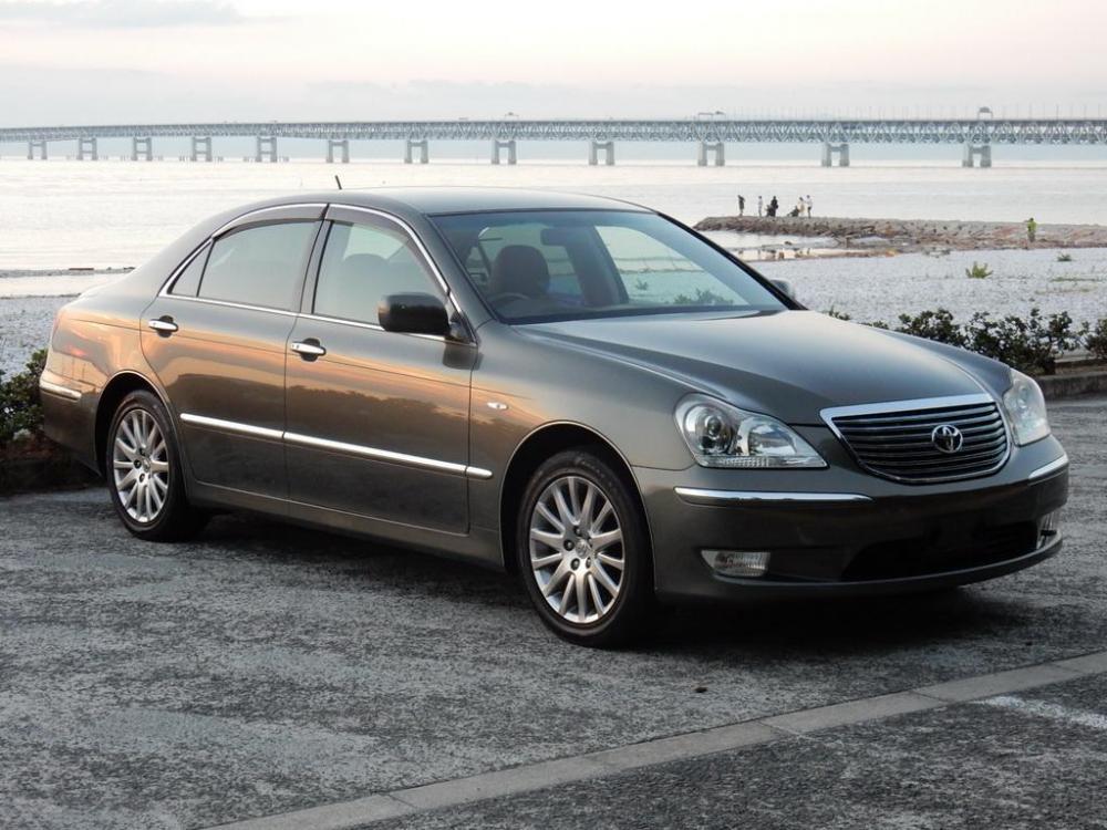 2006-Toyota-Crown-Majesta_4.3L_C_Type_01.thumb.jpg.135c206e4c6441b7995def7c75114861.jpg