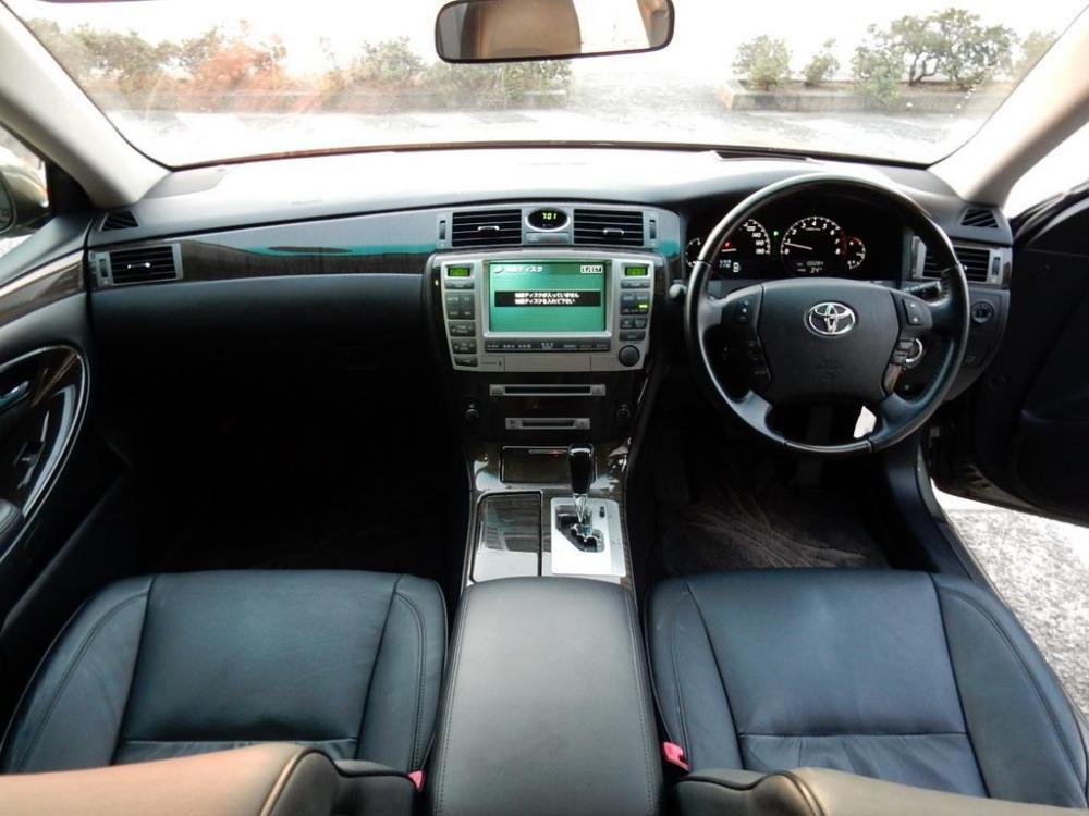 2006-Toyota-Crown-Majesta_4.3L_C_Type_03.thumb.jpg.48814196510df18737eb911252f7ab6e.jpg