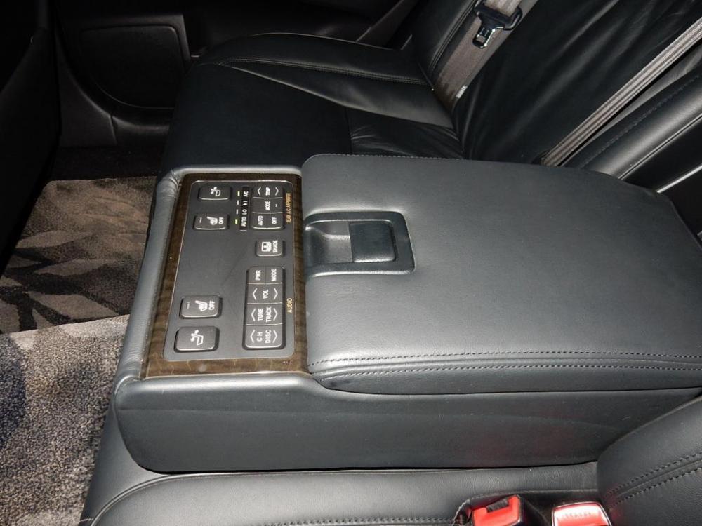 2006-Toyota-Crown-Majesta_4.3L_C_Type_06.thumb.jpg.8d6735c08524e00a225aa232d21ed76e.jpg