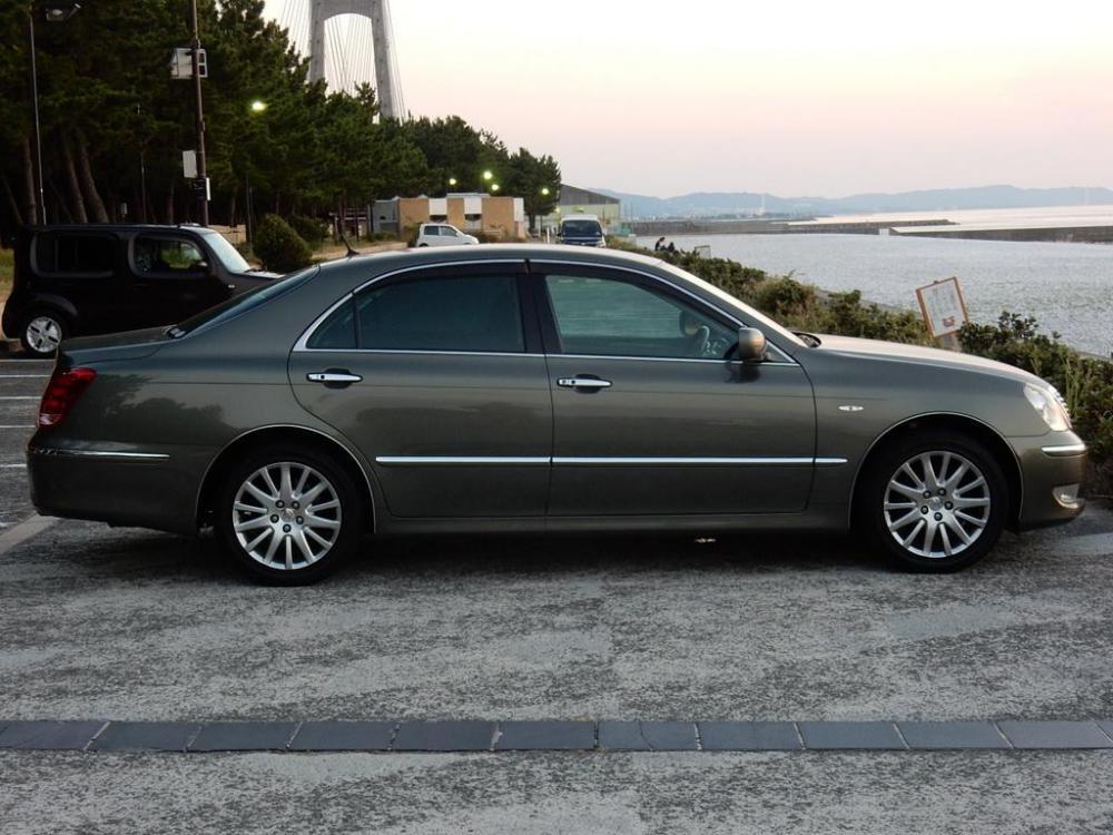 2006-Toyota-Crown-Majesta_4.3L_C_Type_10.jpg
