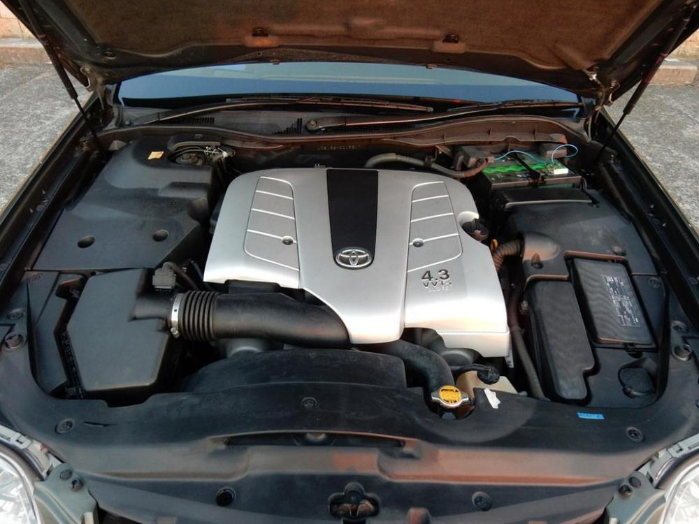 2006-Toyota-Crown-Majesta_4.3L_C_Type_23.jpg
